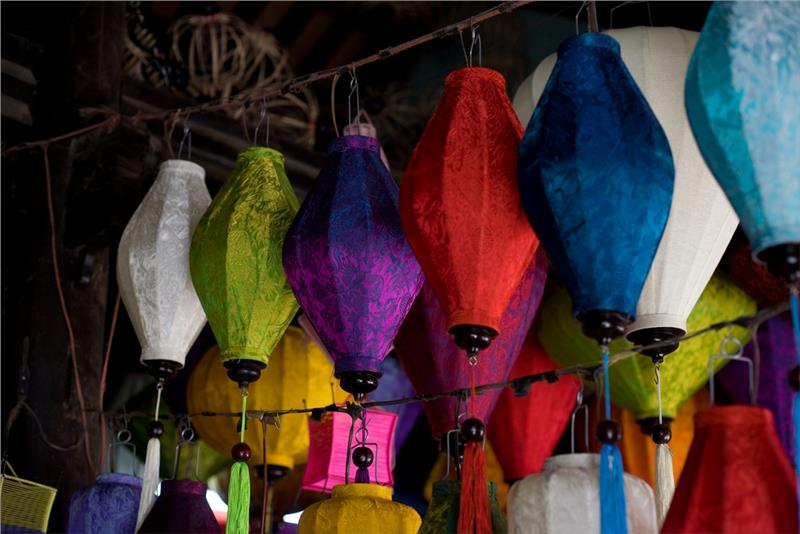 Silk Lanterns - a kind of product in Hoi An Silk Village