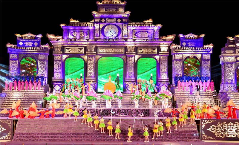 Colorful Festival Hue 2014 Opening Ceremony