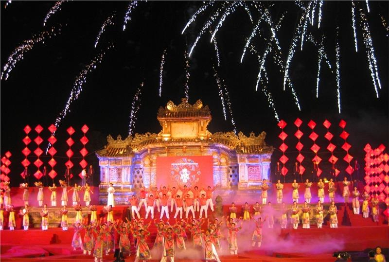 Colorful opening ceremony in Hue Festival