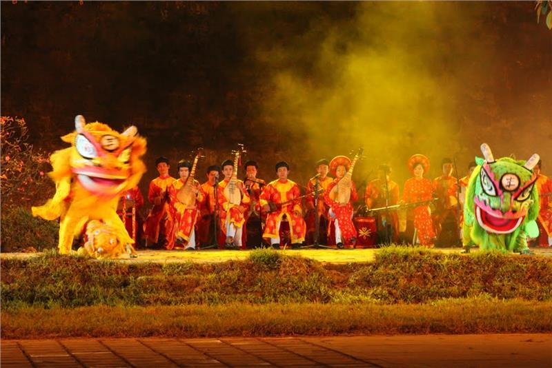 Hue Dragon Dance and Royal Court Music