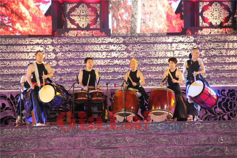 Japanese Artists in Festival Hue 2014