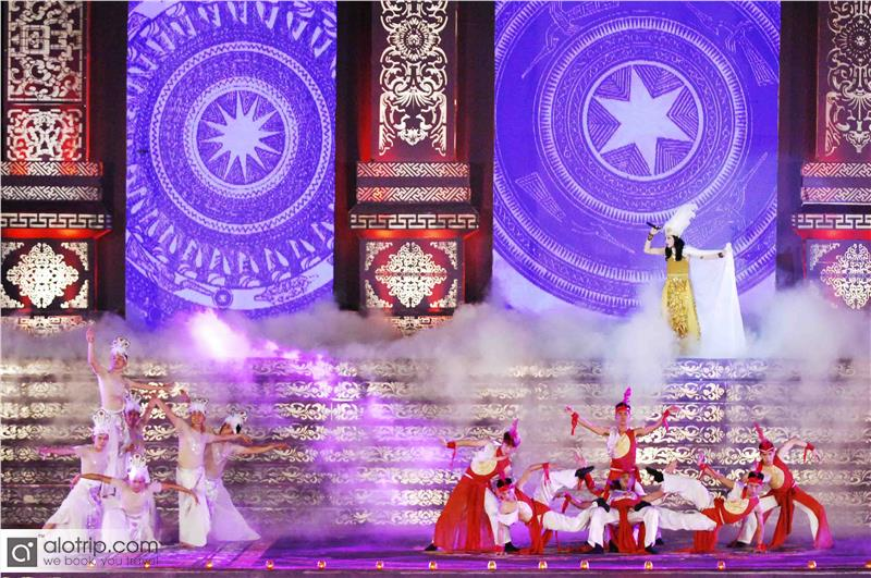 Performances in Festival Hue 2014