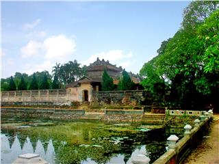 Hue beauty from outskirts to citadel