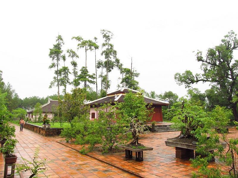 Inside Thien Mu Pagoda