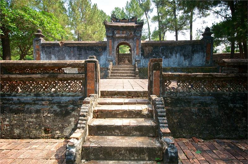 Gate into Tomb of Emperor Tu Duc