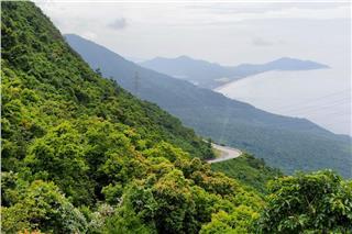 Hai Van Pass brings challenging and incredible moments