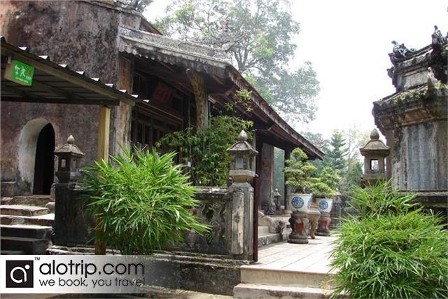 inside Hon Chen  temple