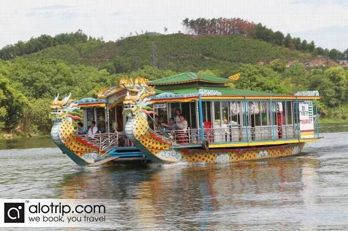 Dragon boat in Huong River
