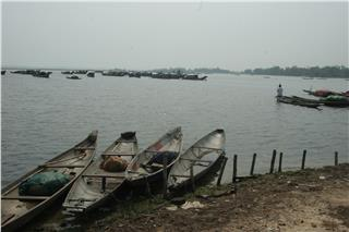 Sampan dwellers of Tam Giang Lagoon