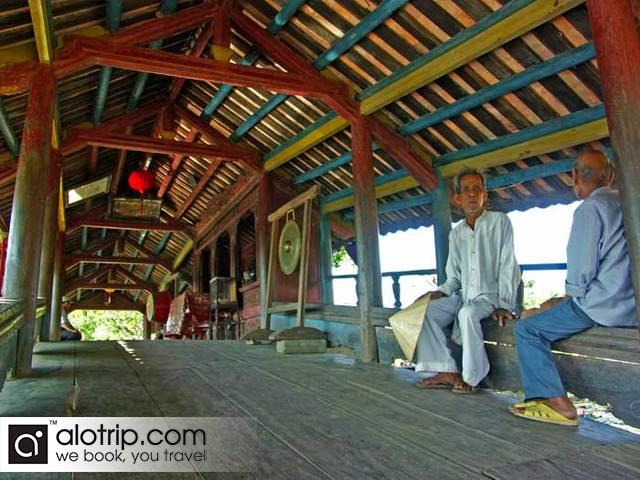 Thanh Toan bridge inside