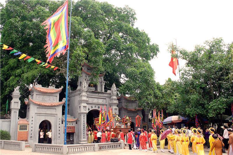 Mau Temple Festival