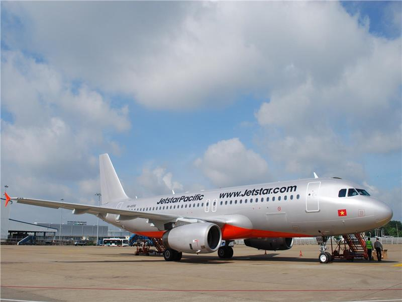 Kết quả hình ảnh cho Úc: Hãng hàng không Jetstar để hành khách bị kẹt và chịu nóng trên chuyến bay từ Thái Lan