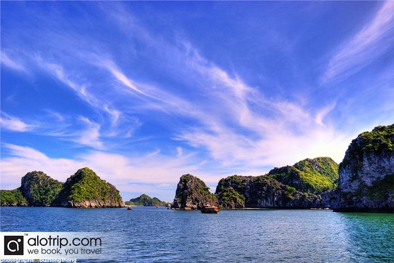 an attractive corner of Lan Ha Bay