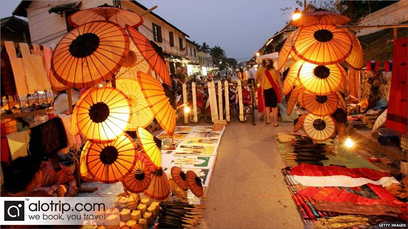 Laos Tours exploring Luang Prabang night market