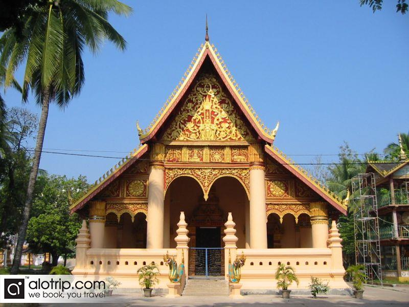 Interesting Laos tours with attractive destination in Vientiane