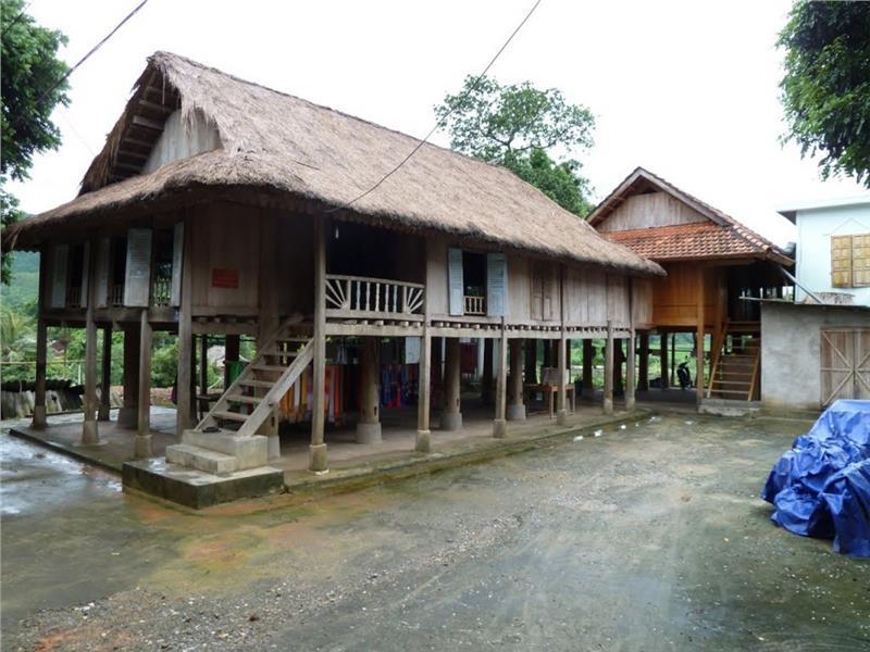 Stilt-hosuse in Pom Coong Village