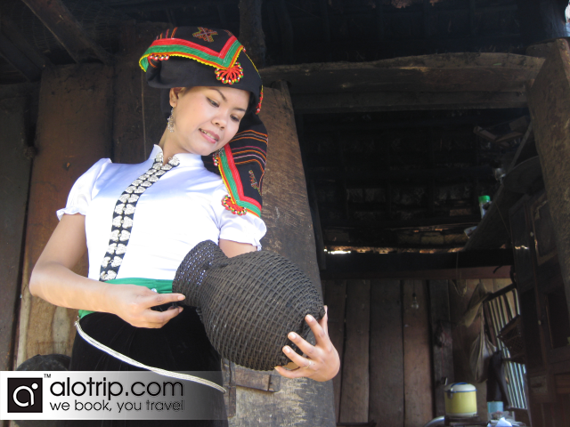 White Thai ethnic people