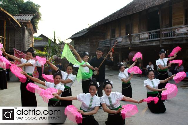 White Thai ethnic people
