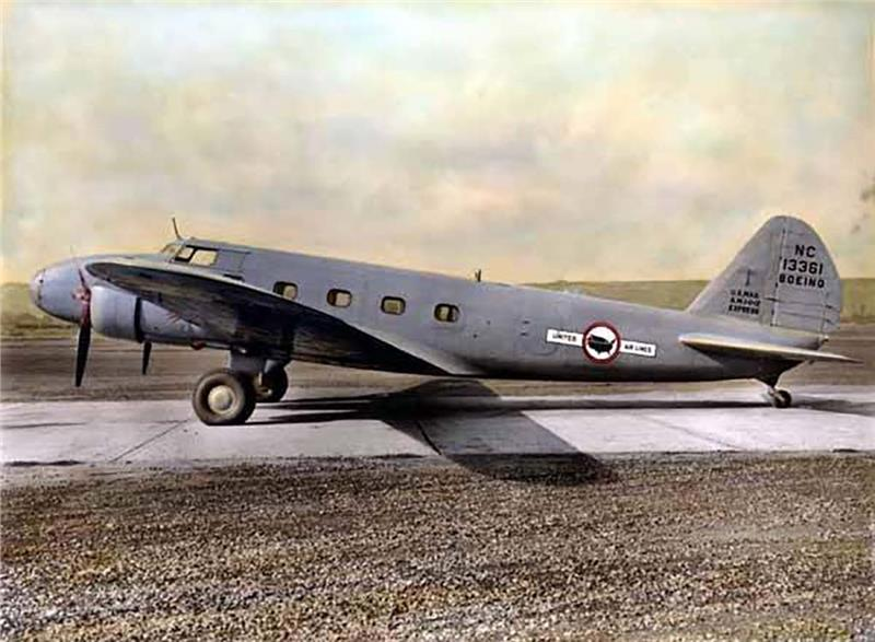 Máy bay Boeing 247