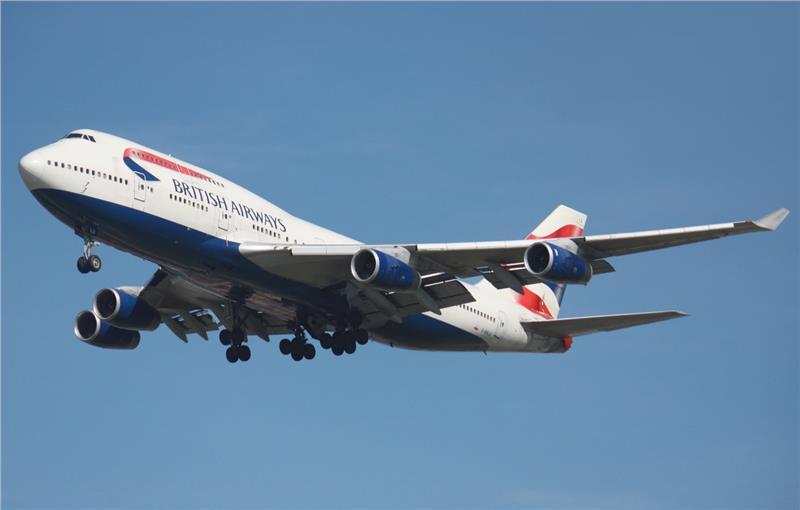 Máy bay Boeing 747-400