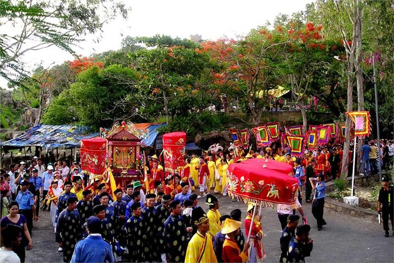 Procession ceremony of Ba Chua Xu Festival
