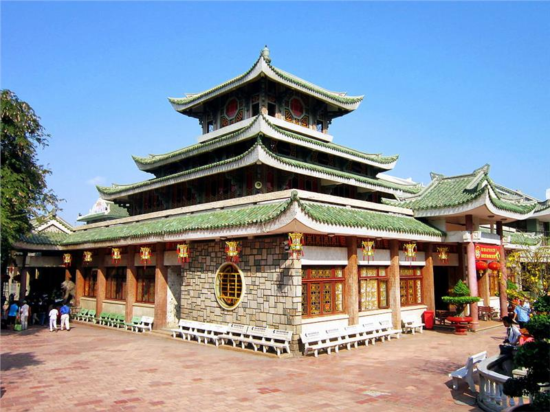 Ba Chua Xu Temple in Sam Mountain
