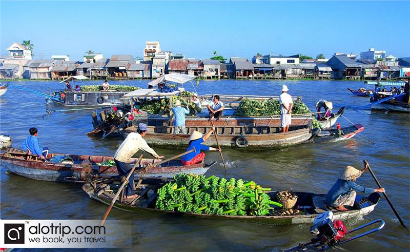a floating market in  Chau Doc Town