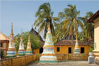 Some features of Khmer architecture in Xvayton pagoda