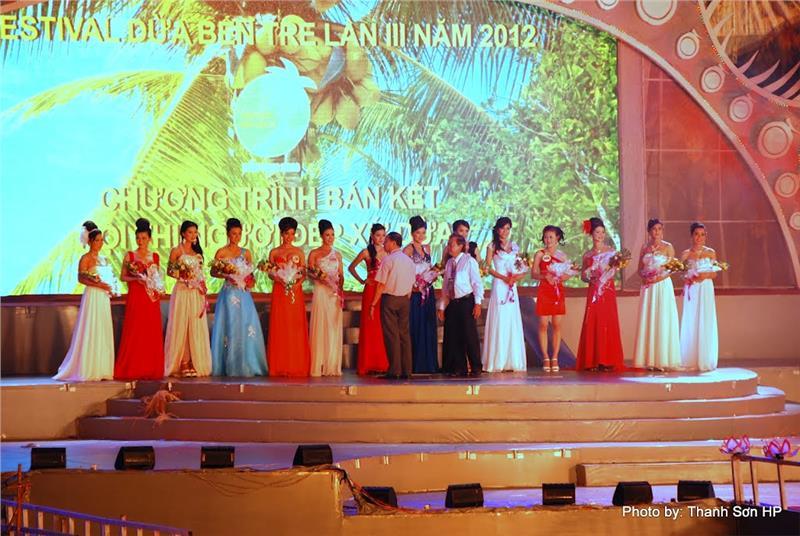 Beauty Contest in Ben Tre Coconut Festival