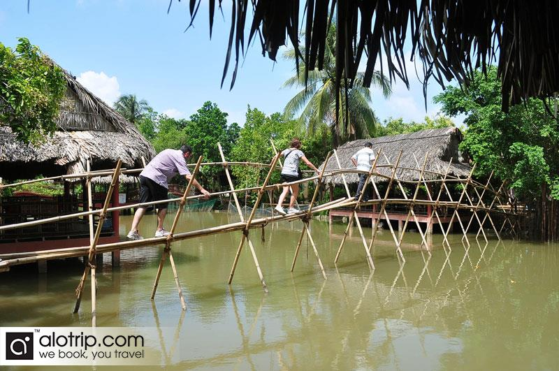 Mekong Delta Travel to islands of four holy beasts