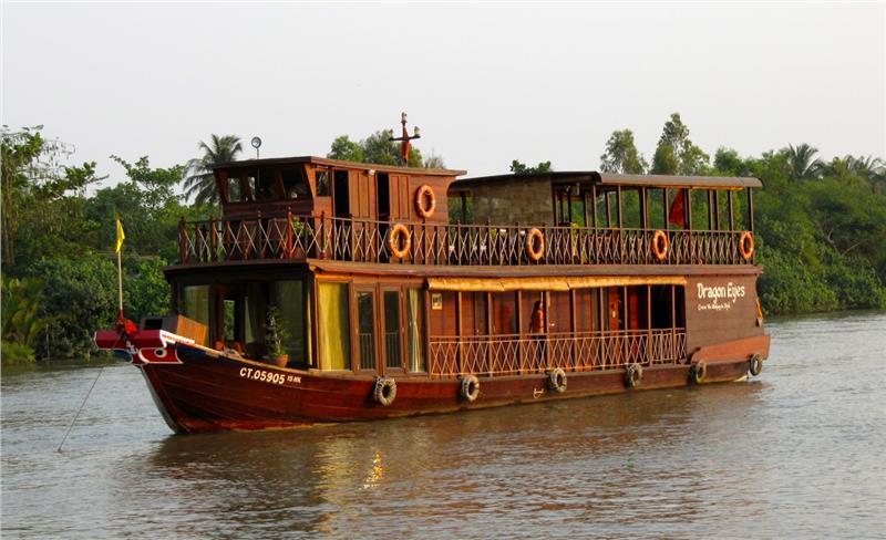 Dragon Eyes River Cruise