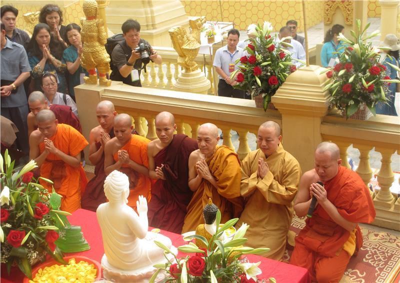 Chol Chnam Thmay Festival in Hanoi