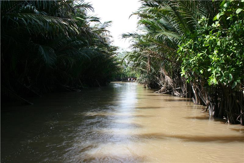 Mekong River Delta Vietnam introduction
