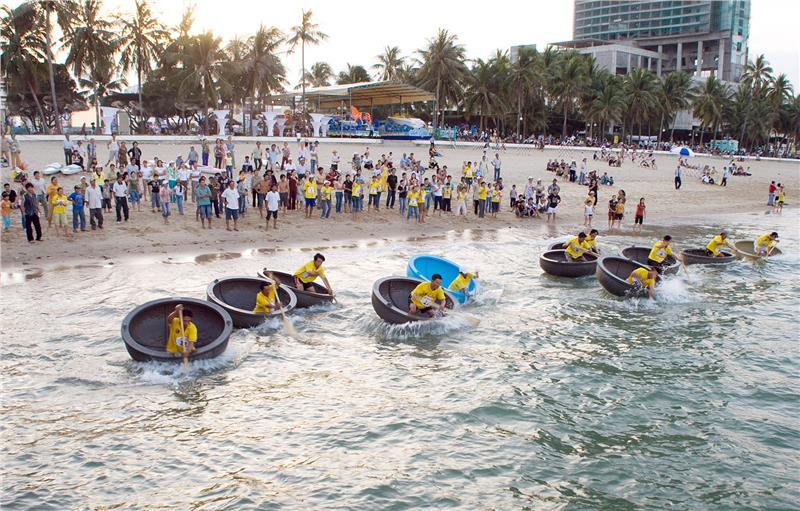 Boat-racing in Nha Trang Beach Festival