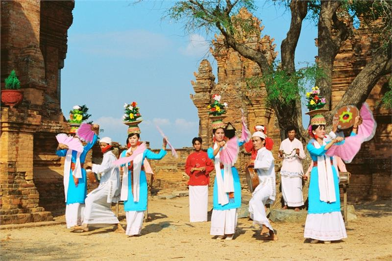 Cham dance in Po Nagar Festival