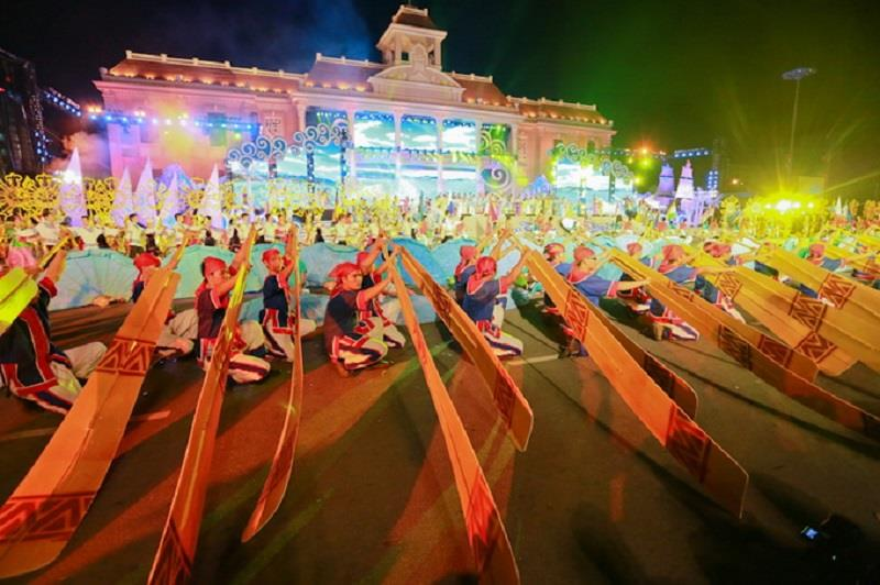 Performance in Nha Trang Sea Festival