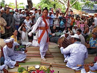 Po Nagar Festival 2014 opened in Nha Trang