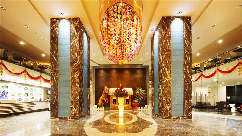 Enjoy great vacation in the largest Vietnam hotel