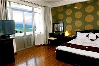 The Light 4 Hotel Nha Trang introduction