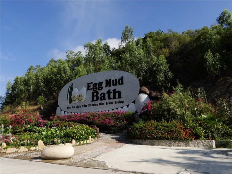 100 Egg Mud Bath