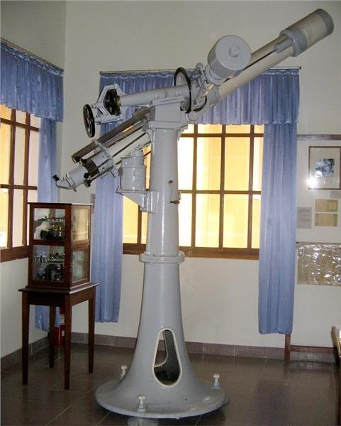 A telescope inside Yersin Museum