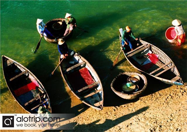 floating fishing village in Nha Trang2