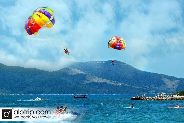 Skydiving in Hon Tam Island