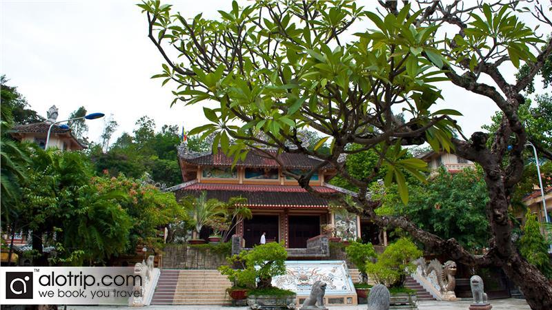 a corner of Long Son pagoda inside