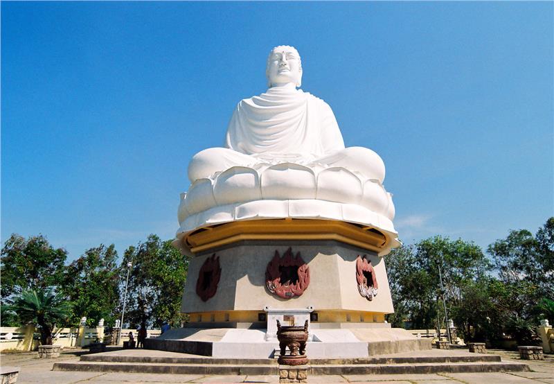 Buddha statue at the Long Son Pagoda
