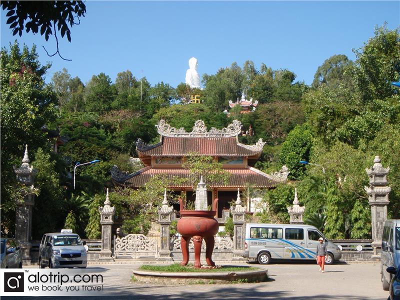 Long Son pagoda panorama