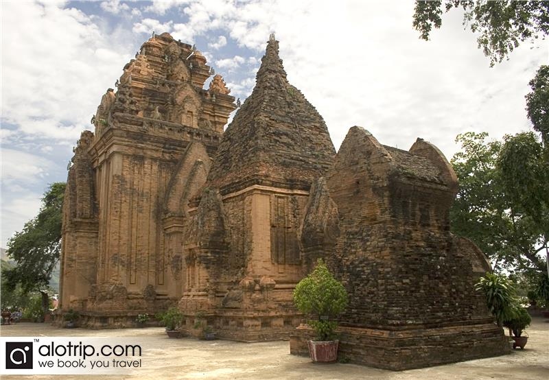 a corner of Po Nagar temple