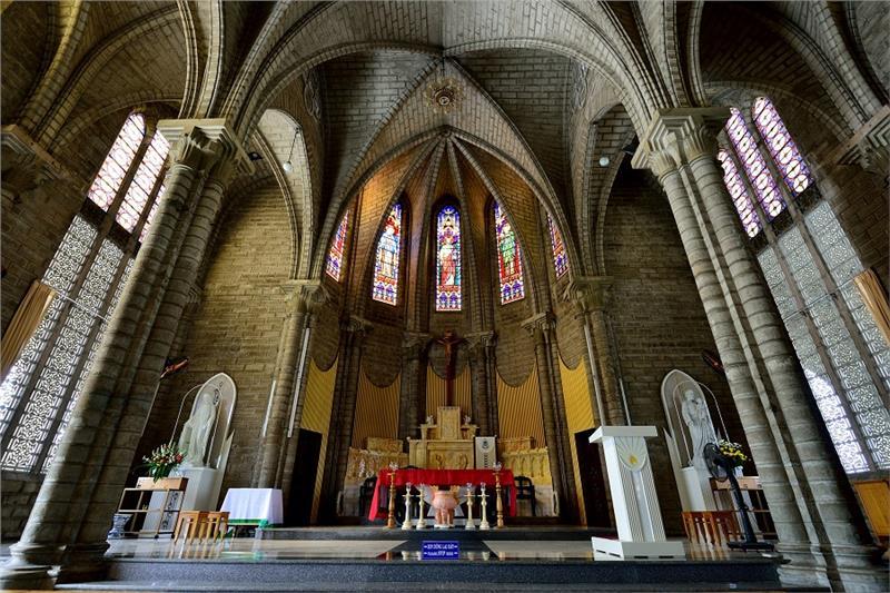 Nha Trang Cathedral Chancel