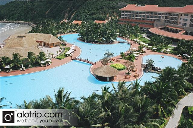 Swimming pool in Resort in Vinpearl Land