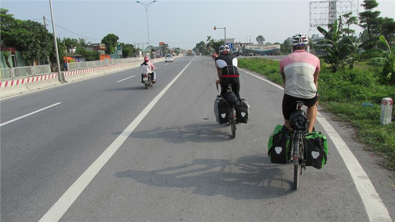Cyclists from London to Ninh Binh